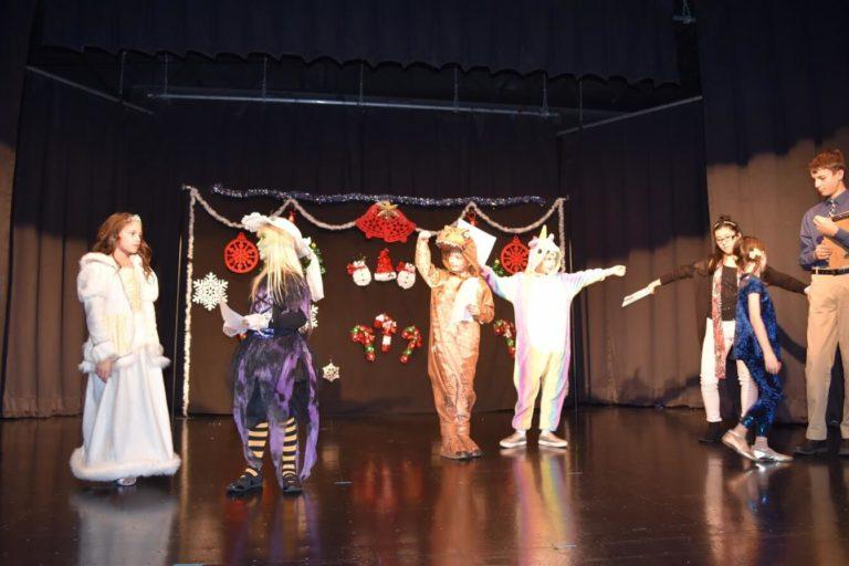2018 MT Magically Christmas Show00005