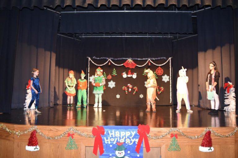 2018 MT Magically Christmas Show00006