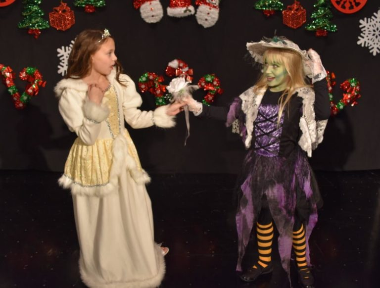 2018 MT Magically Christmas Show00009